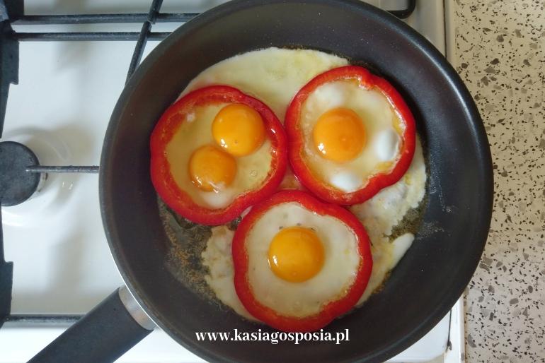 jajka sadzone wpapryce